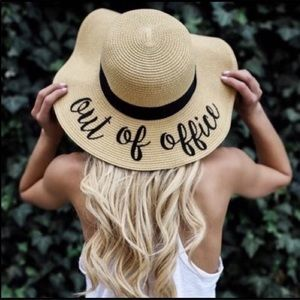 SERRA Accessories - SERRA NWT Floppy Beach/Pool Hat Out Of The Office